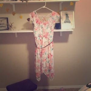 A beutiful white and flowers dress